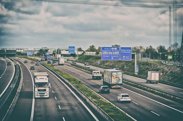 Transport chłodniczy – czym się różni ciężarówka chłodnicza od normalnej?