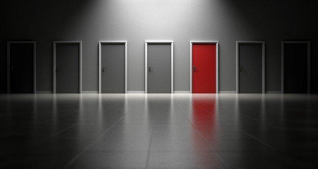 Montaż drzwi wewnętrznych – jak to zrobić?