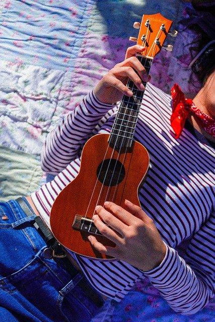 Ile kosztuje ukulele? Od czego zależy jego cena?