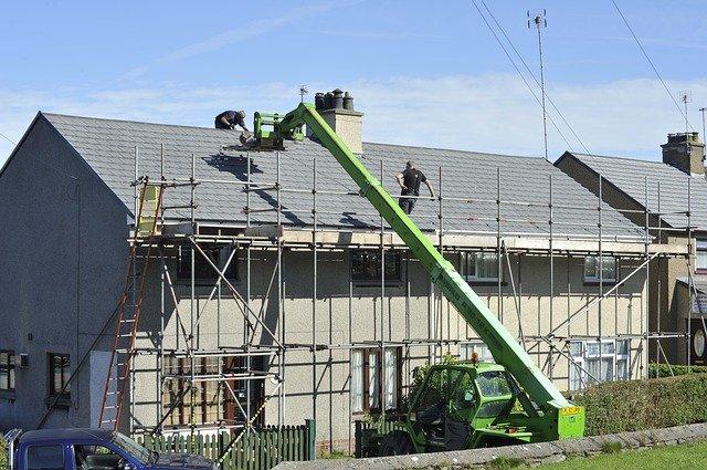 Wiązary dachowe – czy są lepsze od stropu betonowego?